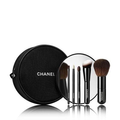 les-mini-de-chanel-collection-de-5-mini-pinceaux-essentiels-1pce_3145891373776